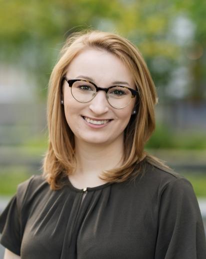 Amelia Ralowicz headshot