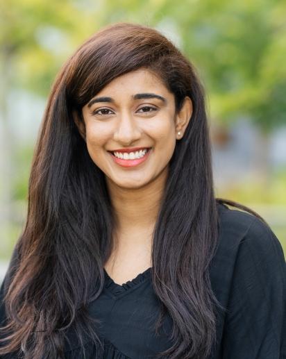 Divya Ravi headshot