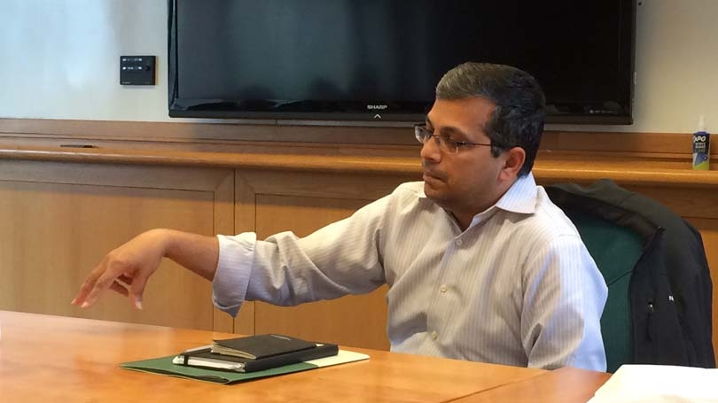 Niranjan Bose Met with Grad Students over Lunch in Hanover